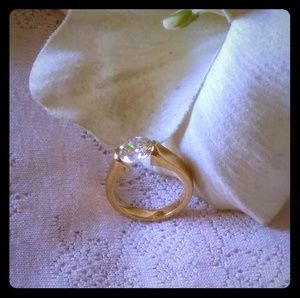 Vintage Round Brilliant CZ Ring